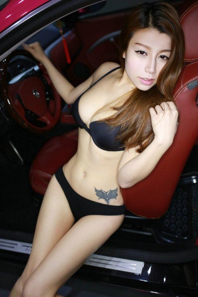 ストリップショーかな?台湾キャンギャルのエロ画像32枚・30枚目の画像