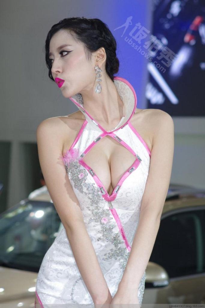 ストリップショーかな?台湾キャンギャルのエロ画像32枚・33枚目の画像