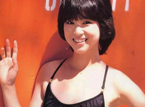 松田聖子(55)ヌード間近を匂わせるスケベ下着姿のエロ画像50枚・39枚目の画像