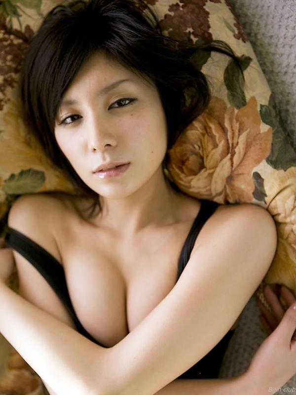 AVデビューした仲村みう(26)のヌードエロ画像140枚・83枚目の画像