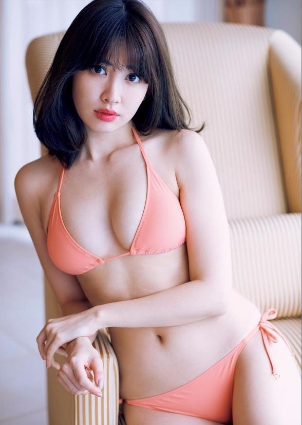 小嶋陽菜のラストグラビアエロ画像4