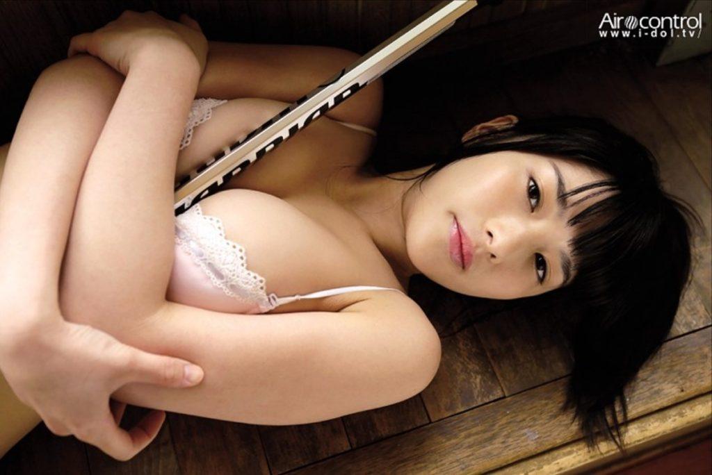 仮面女子・神谷えりなの写真集手ブラヌード等エロ画像165枚・6枚目の画像