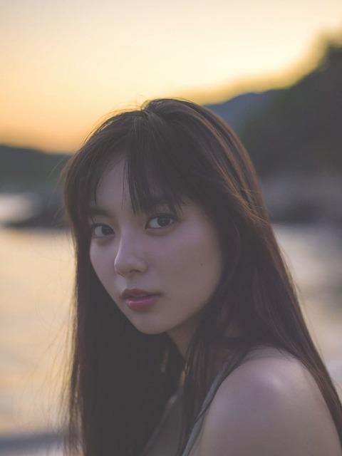 新川優愛(24)の水着姿、ドラマ濡れ場等抜ける画像130枚・5枚目の画像