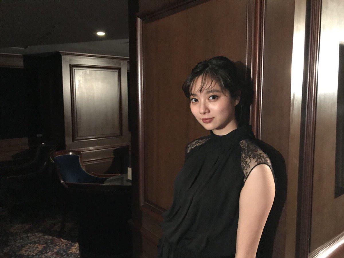 新川優愛(24)の水着姿、ドラマ濡れ場等抜ける画像130枚・6枚目の画像