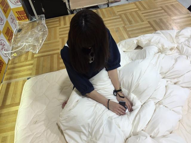「添い寝イベント」をするハウプトハルモニーとかいうアイドルのエロ画像44枚・7枚目の画像