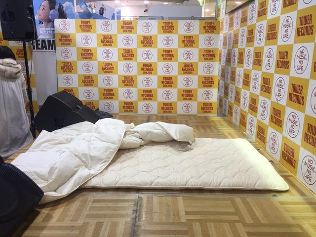 「添い寝イベント」をするハウプトハルモニーとかいうアイドルのエロ画像44枚・8枚目の画像