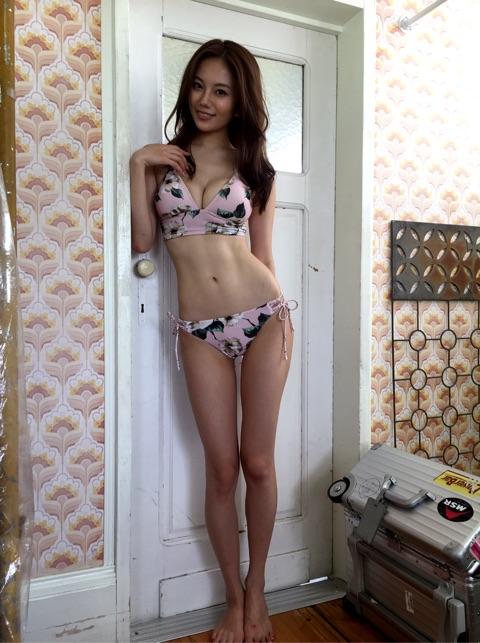 伊東紗冶子(23)Gカップキャスターの水着グラビア画像128枚・25枚目の画像