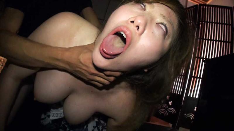 マンコの締り倍増!首絞めセックスエロ画像30枚・14枚目の画像