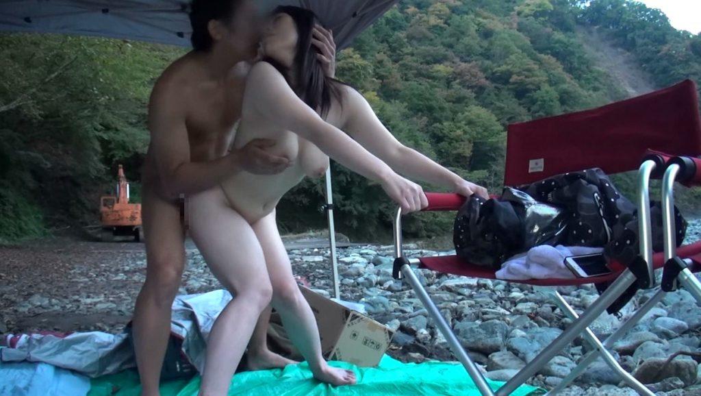 BBQ会場での乱交セックスエロ画像32枚・22枚目の画像