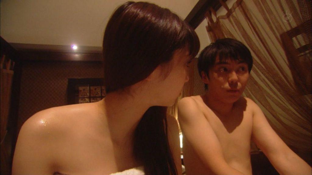新川優愛(24)の水着姿、ドラマ濡れ場等抜ける画像130枚・61枚目の画像