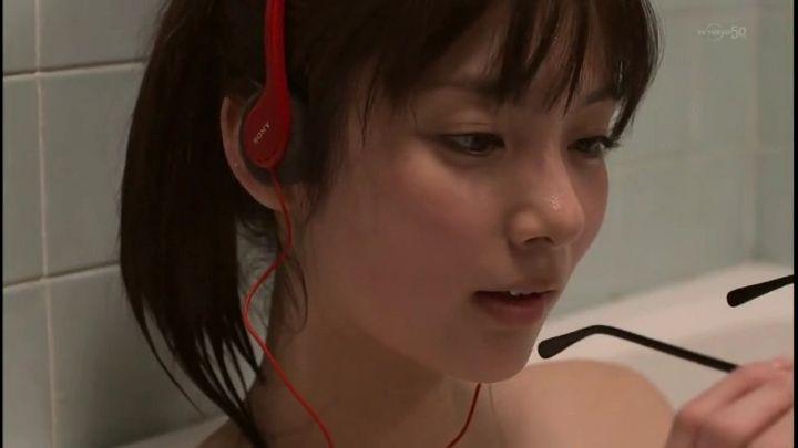 新川優愛(24)の水着姿、ドラマ濡れ場等抜ける画像130枚・82枚目の画像