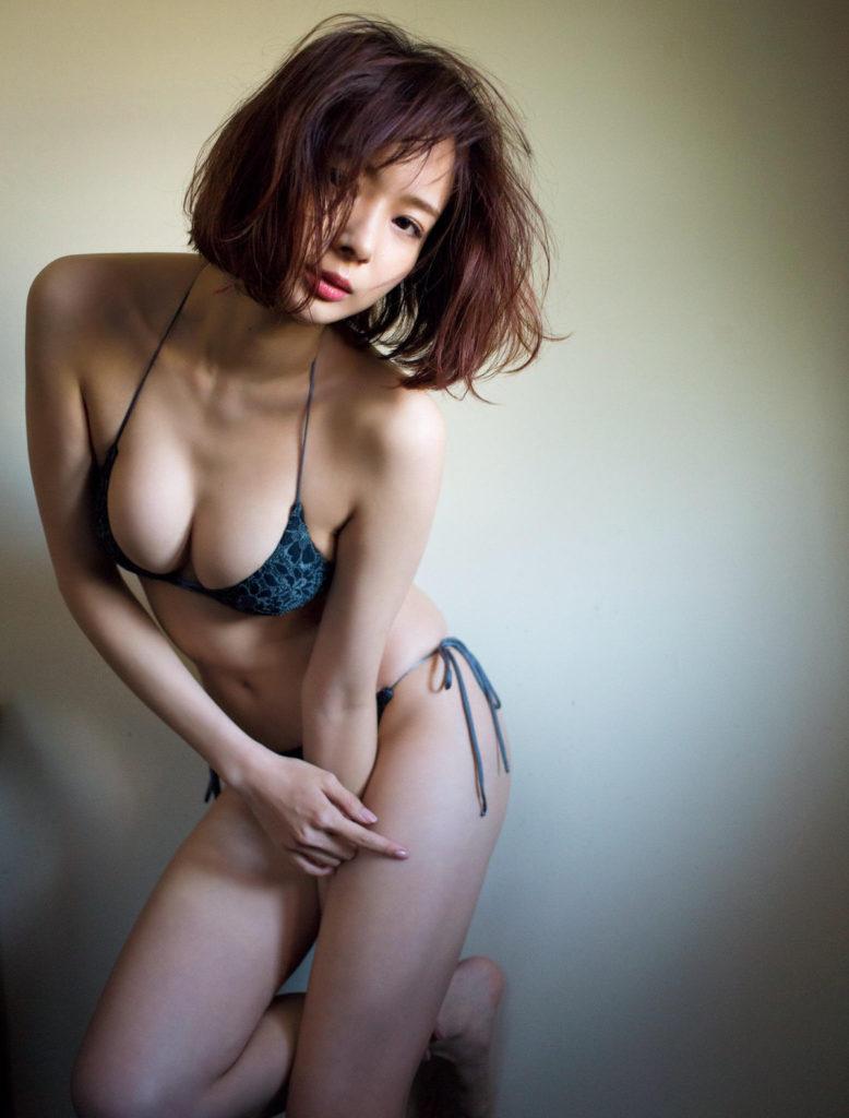 岡田紗佳(24)のパンチラや水着グラビアが抜ける画像160枚・25枚目の画像