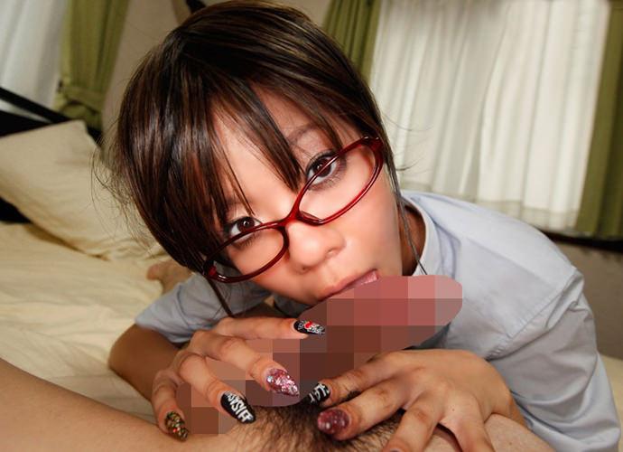 痴女っぽさがたまらんメガネ美女のフェラチオエロ画像29枚・5枚目の画像