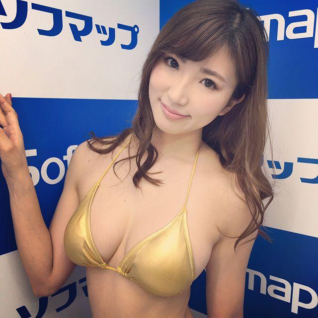 松嶋えいみ(25)エロ画像37枚!ハミ尻広告がエロすぎるグラドルを発見!・5枚目の画像