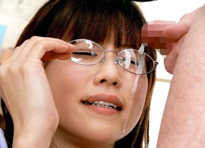痴女っぽさがたまらんメガネ美女のフェラチオエロ画像29枚・13枚目の画像