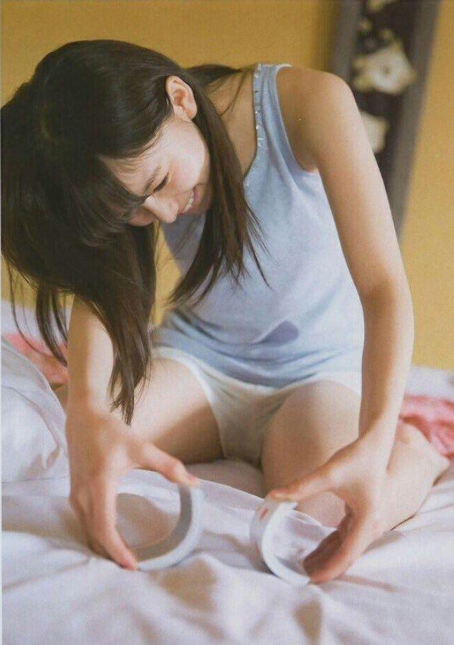 乃木坂46齋藤飛鳥のアイコラヌード&水着グラビア画像35枚・21枚目の画像