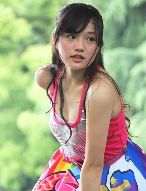 つりビット安藤咲桜(16)の水着グラビアエロ画像60枚・41枚目の画像