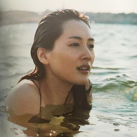【速報】綾瀬はるかの全裸ヌード入浴してる最新CMエロ画像40枚・14枚目の画像