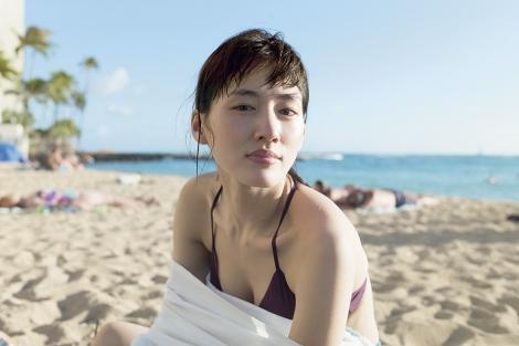 【速報】綾瀬はるかの全裸ヌード入浴してる最新CMエロ画像40枚・20枚目の画像