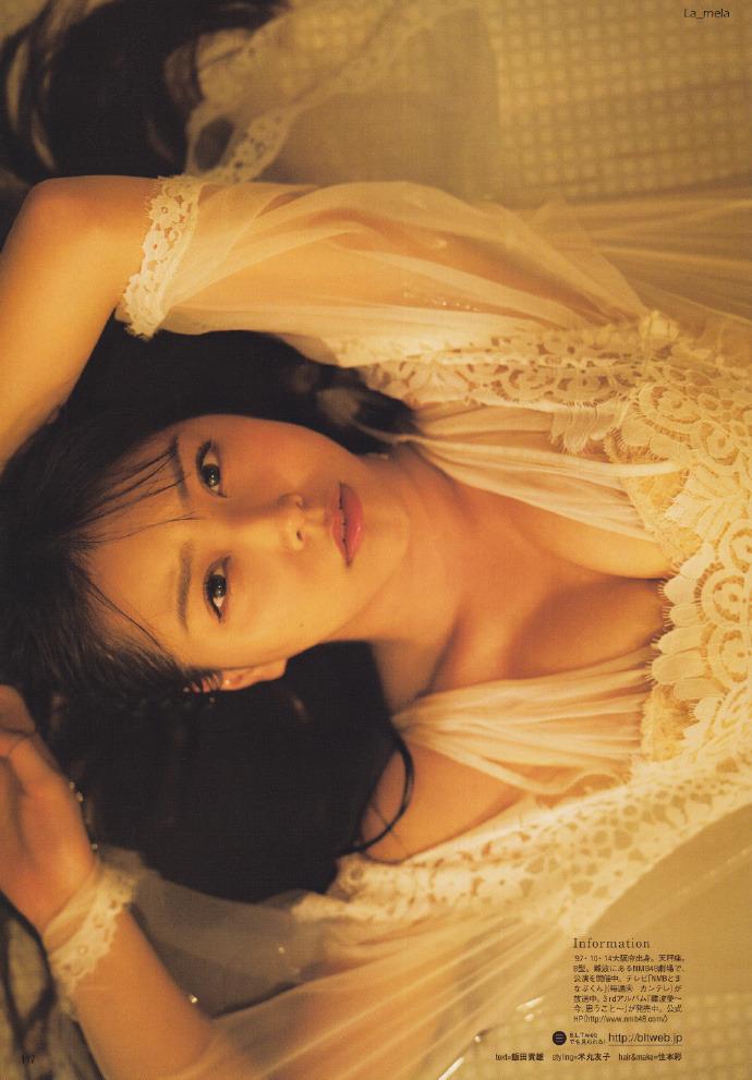 NMB48白間美瑠&太田夢莉のWグラビアエロ画像150枚・21枚目の画像