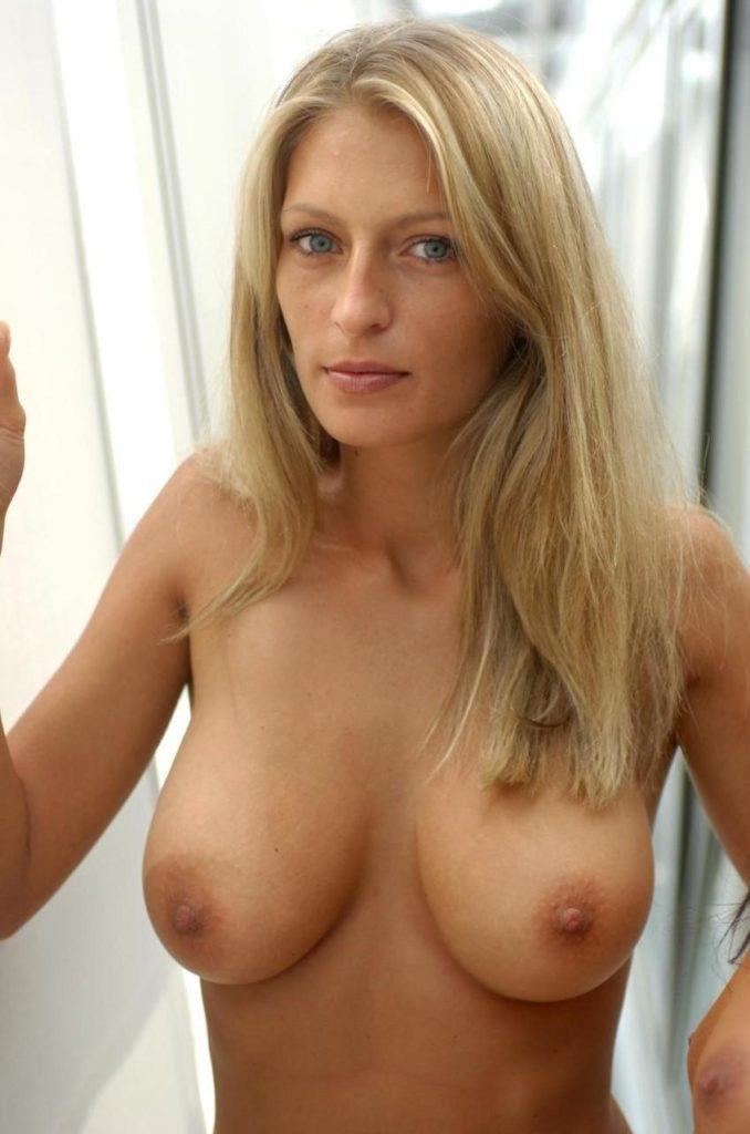 外国人巨乳熟女の自画撮りが生々しくて抜けるエロ画像30枚・6枚目の画像