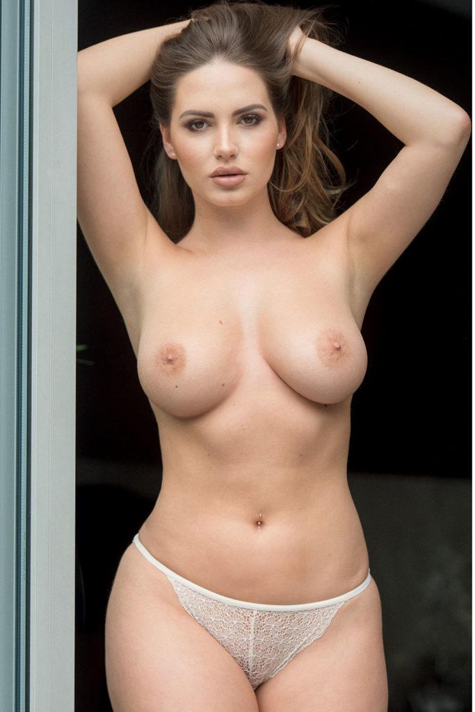 外国人巨乳熟女の自画撮りが生々しくて抜けるエロ画像30枚・9枚目の画像