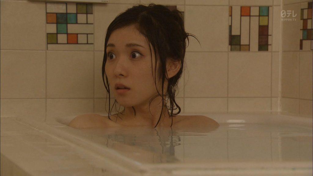 松岡茉優(22)の入浴シーン・疑似フェラ等抜けるエロ画像105枚・18枚目の画像