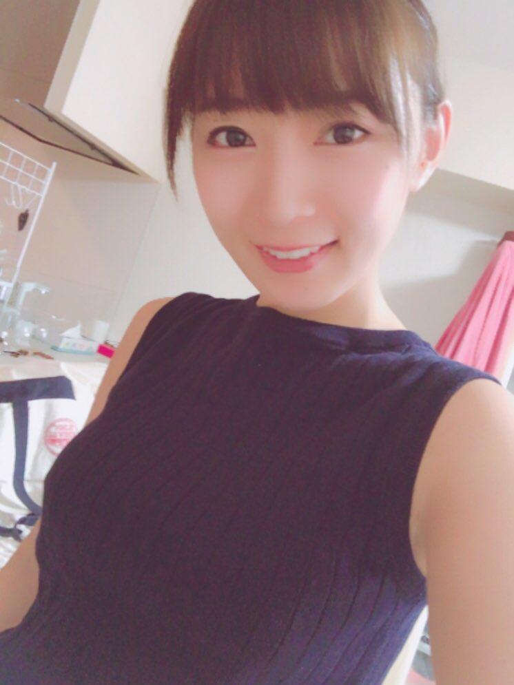 階戸瑠李(28)ヌード間近の透け乳首解禁グラビア画像100枚・102枚目の画像