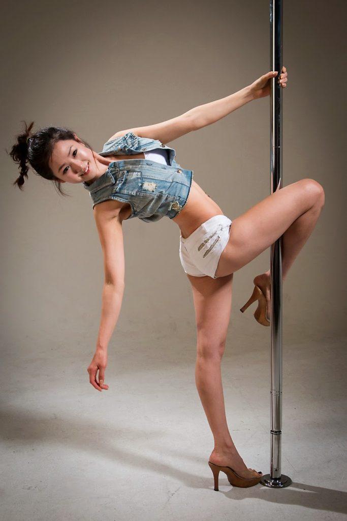 韓国娘の美脚率が異常~!必ず抜ける美女エロ画像33枚・25枚目の画像