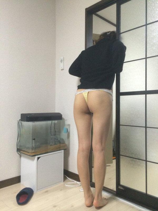 リベンジポルノin自宅!身内が盗撮したエロ画像35枚・28枚目の画像