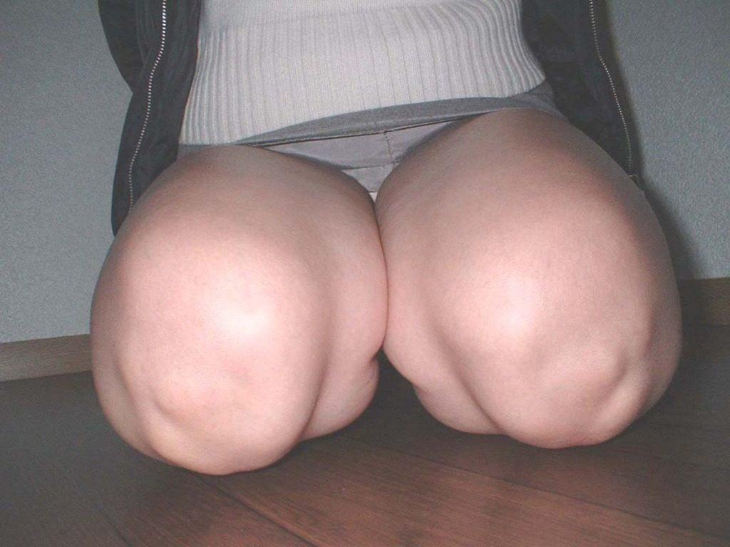 膝枕されたい…!ミニスカ娘の正座パンチラエロ画像30枚・37枚目の画像