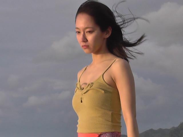 吉岡里帆の週プレ最新グラビアエロ画像40