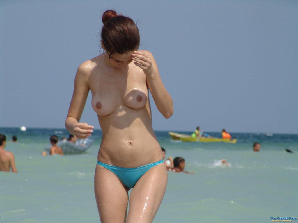 1日オナニーして居られそうなヌーディストビーチのエロ画像30枚・1枚目の画像