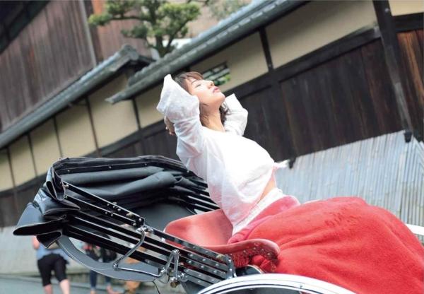 ヌード解禁!元AKB48高城亜樹(26)の抜けるグラビア画像60枚・4枚目の画像