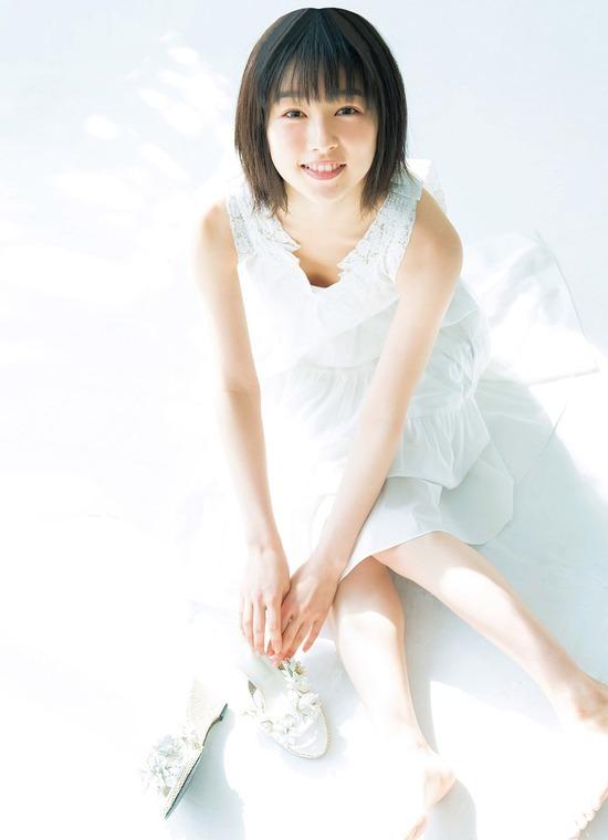 桜井日奈子(21)の最新グラビア、アイコラ等抜ける画像70枚