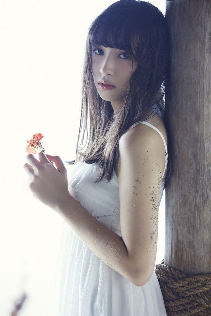 欅坂46渡辺梨加の写真集水着グラビア&アイコラエロ画像97枚・64枚目の画像