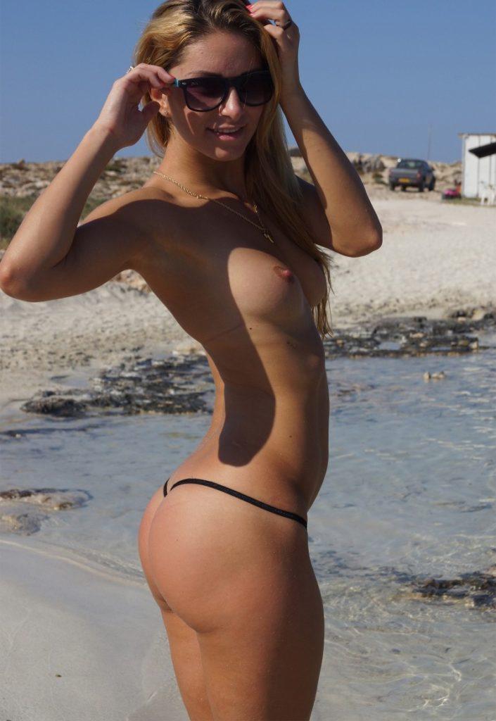 1日オナニーして居られそうなヌーディストビーチのエロ画像30枚・6枚目の画像