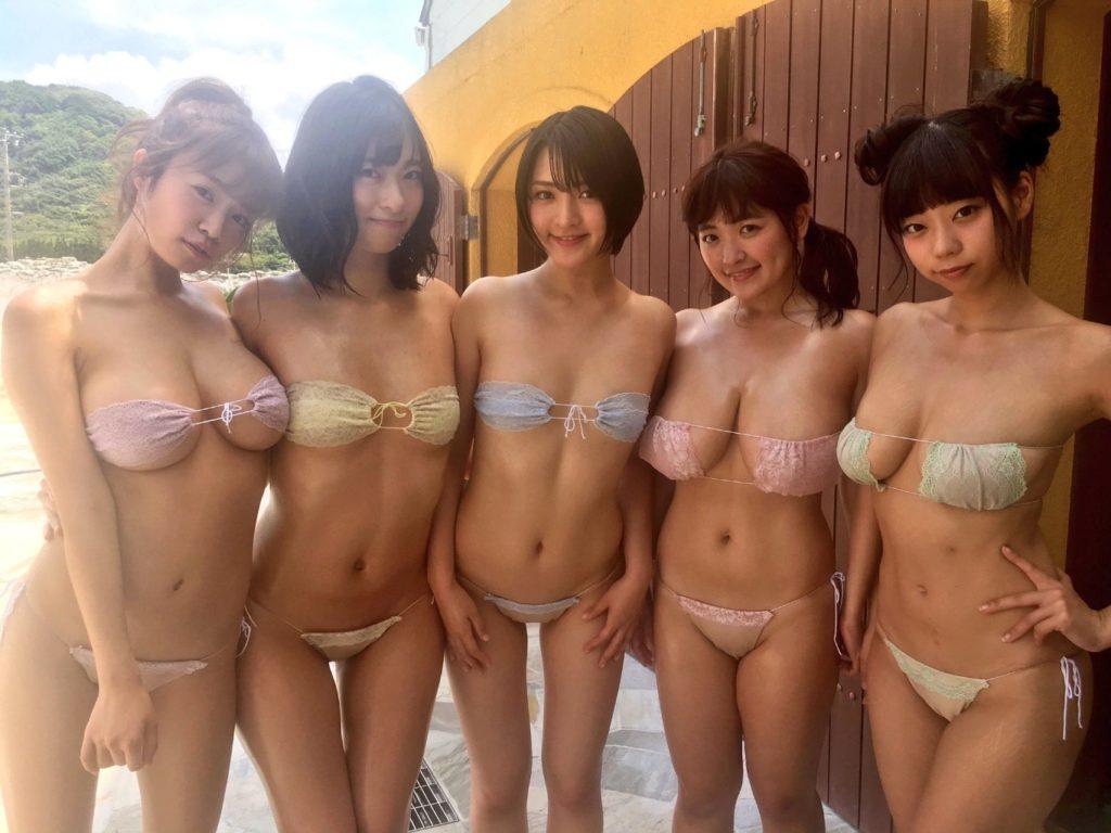 Aカップ貧乳グラドル鈴木咲(30)の抜けるエロ画像85枚・46枚目の画像