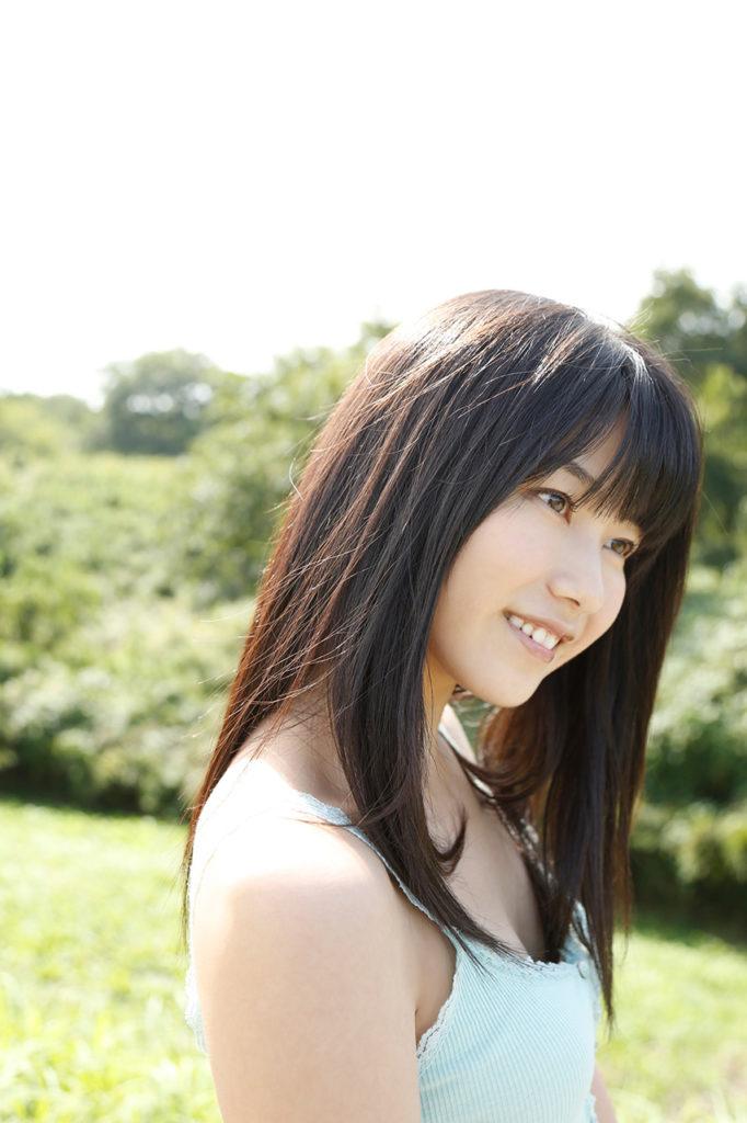 ハミ乳最高~!横山由依(24)の最新エロ画像48枚・36枚目の画像