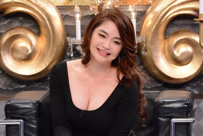 歌恋(24)巨乳演歌歌手の有吉反省会エロキャプ画像33枚・2枚目の画像