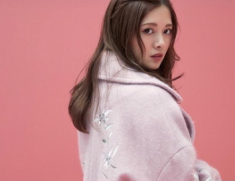 白石麻衣の最新グラビアエロ画像11