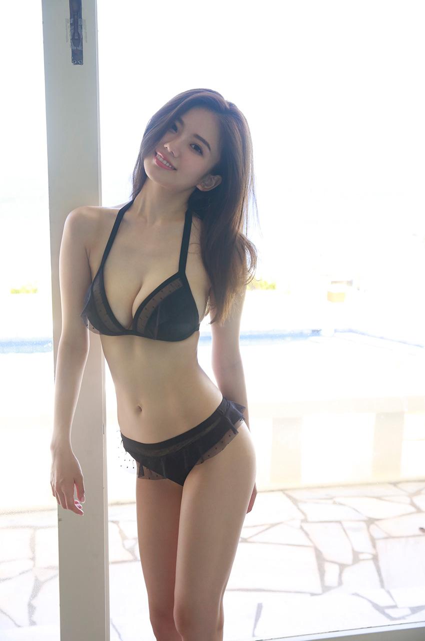 伊東紗冶子(23)Gカップキャスターの水着グラビア画像128枚・104枚目の画像