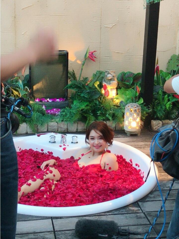 歌恋(24)巨乳演歌歌手の有吉反省会エロキャプ画像33枚・31枚目の画像