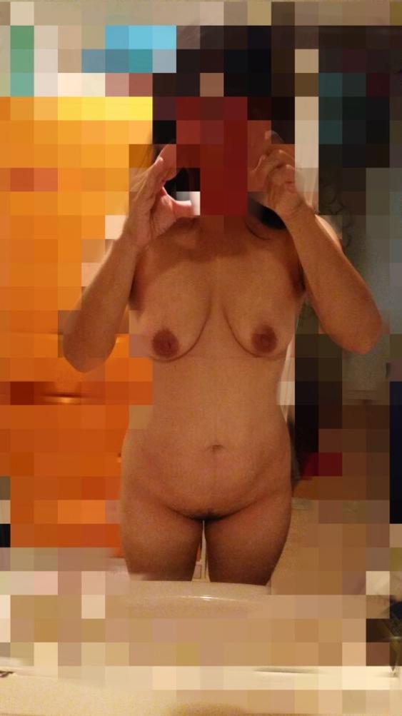 出会い系で男漁り?熟女の自画撮りエロ画像30枚・38枚目の画像