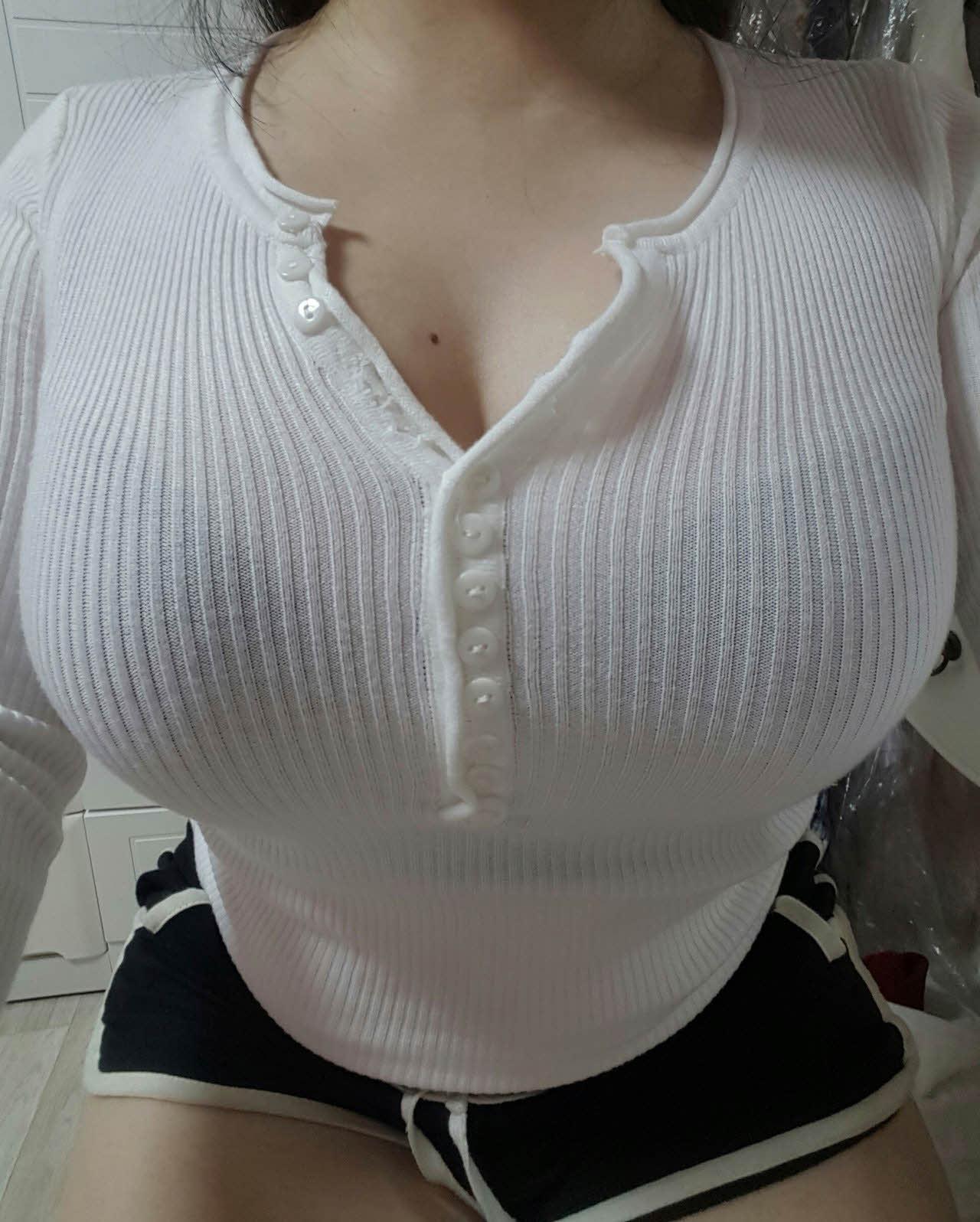 豊胸万歳!韓国美女の着衣巨乳&インスタ自撮りエロ画像97枚・73枚目の画像
