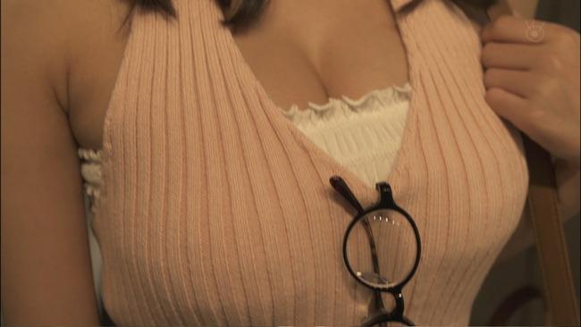 『ラブホの上野さん』着衣巨乳やミニスカが抜けるエロキャプ画像11