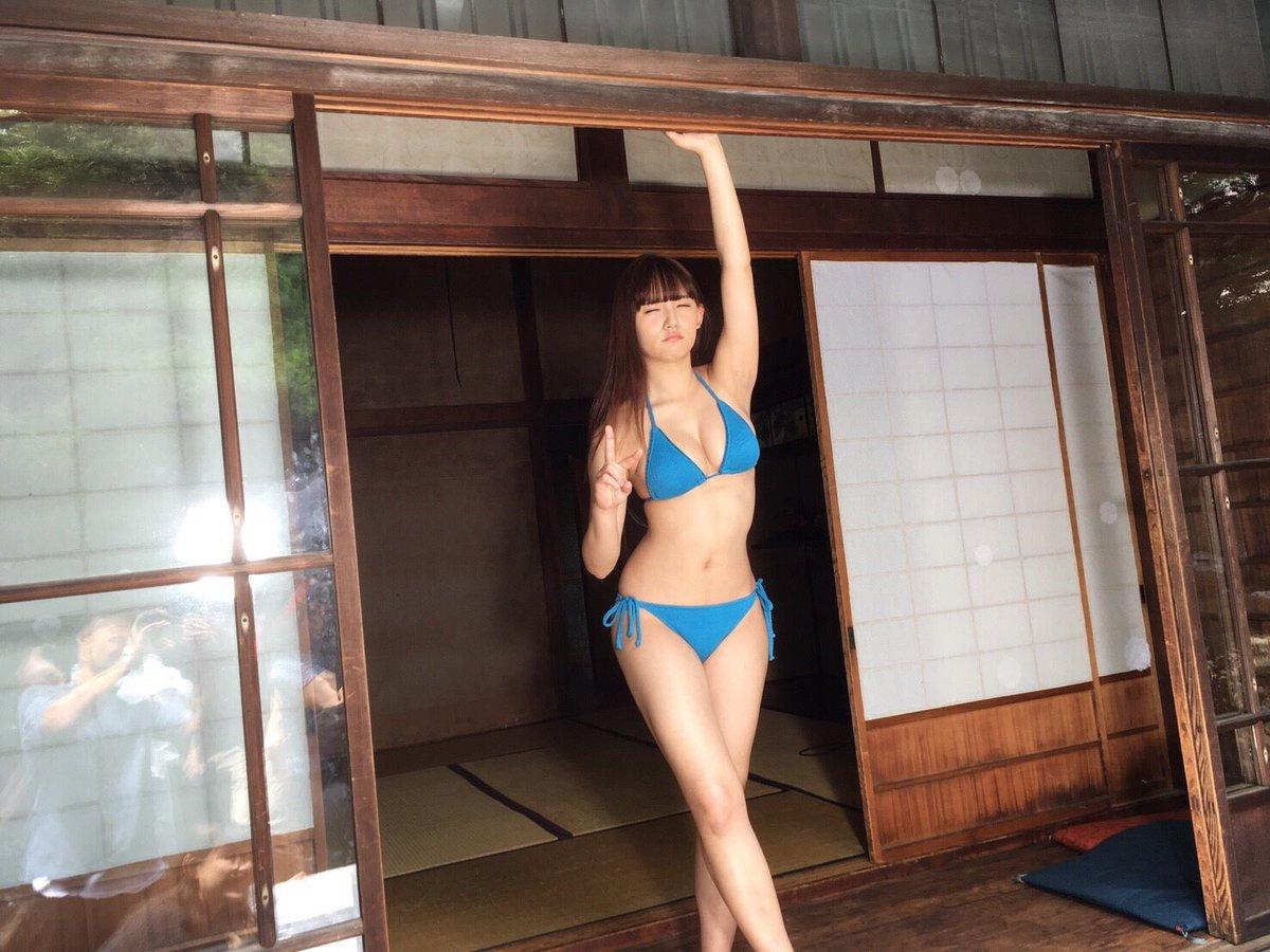 浅川梨奈(18)の最新写真集グラビア等!抜けるエロ画像170枚・60枚目の画像