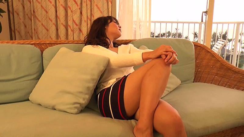 里々佳(22)Eカップ巨乳美女の水着グラビアエロ画像160枚・88枚目の画像