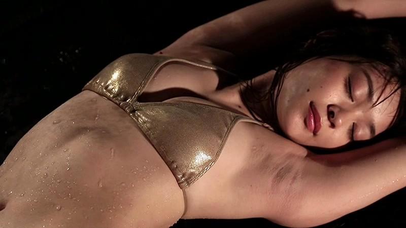 里々佳(22)Eカップ巨乳美女の水着グラビアエロ画像160枚・97枚目の画像