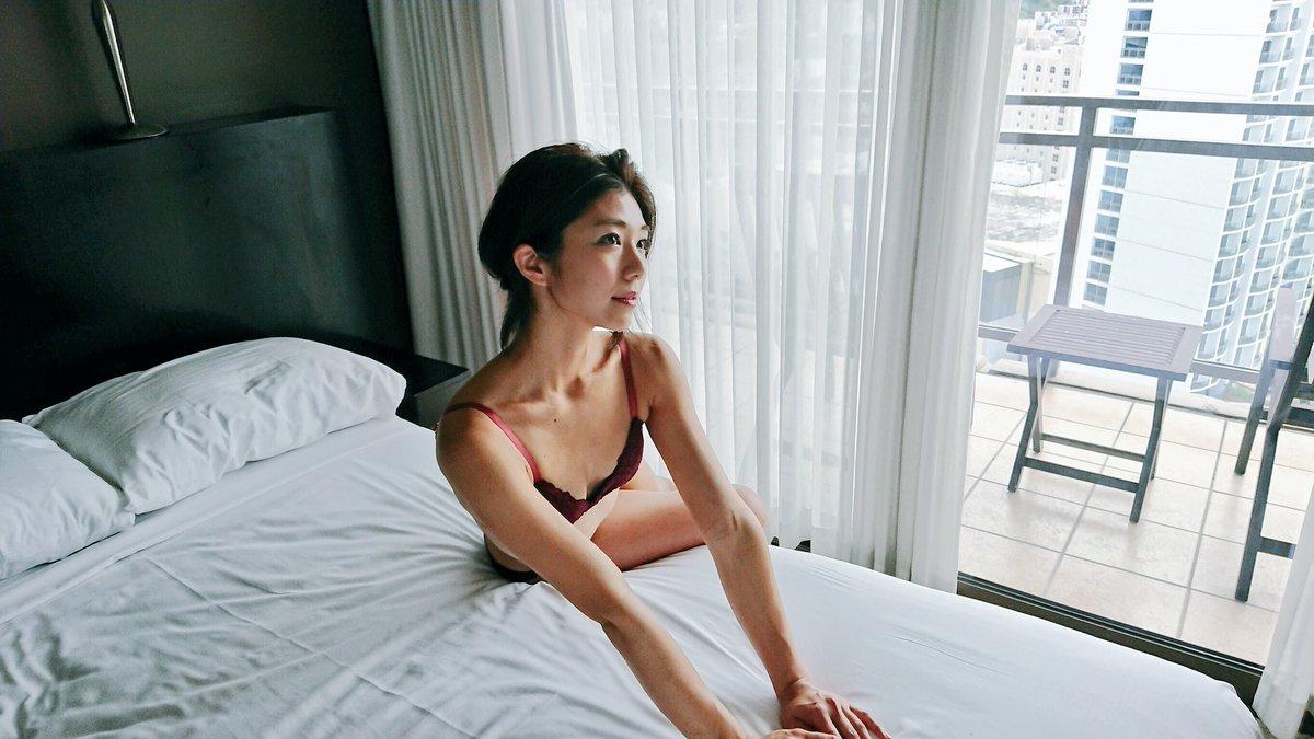 藤木由貴(25)美人RQの手ブラヌードグラビア画像100枚|エロ牧場・69枚目の画像